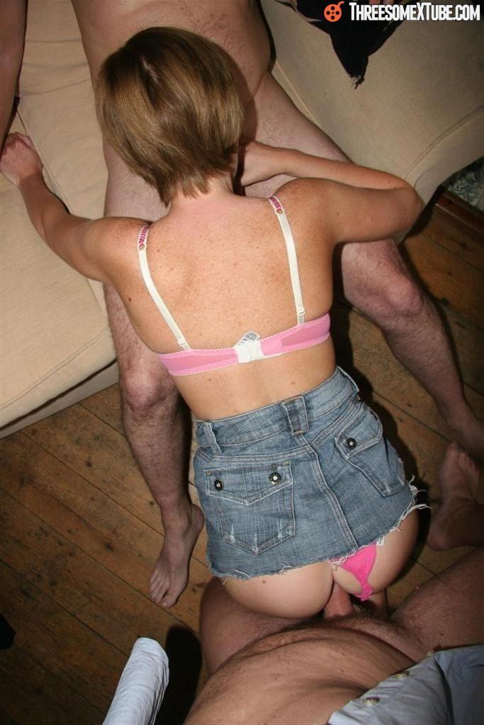 Trio sexe avec femme Anal propagation photos